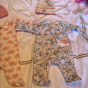 Lot of baby girl pajamas and hats 0-3 months